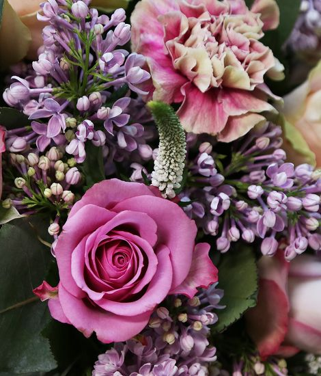 luxury-rose-and-lilac-bouquet-de