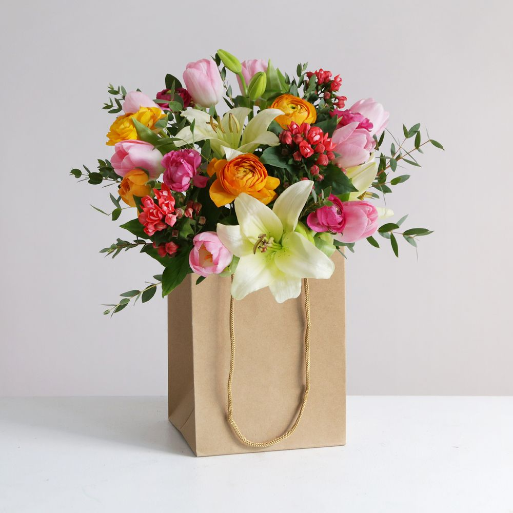 Spring gift bag flowers send flowers free delivery spring gift bag flowers izmirmasajfo