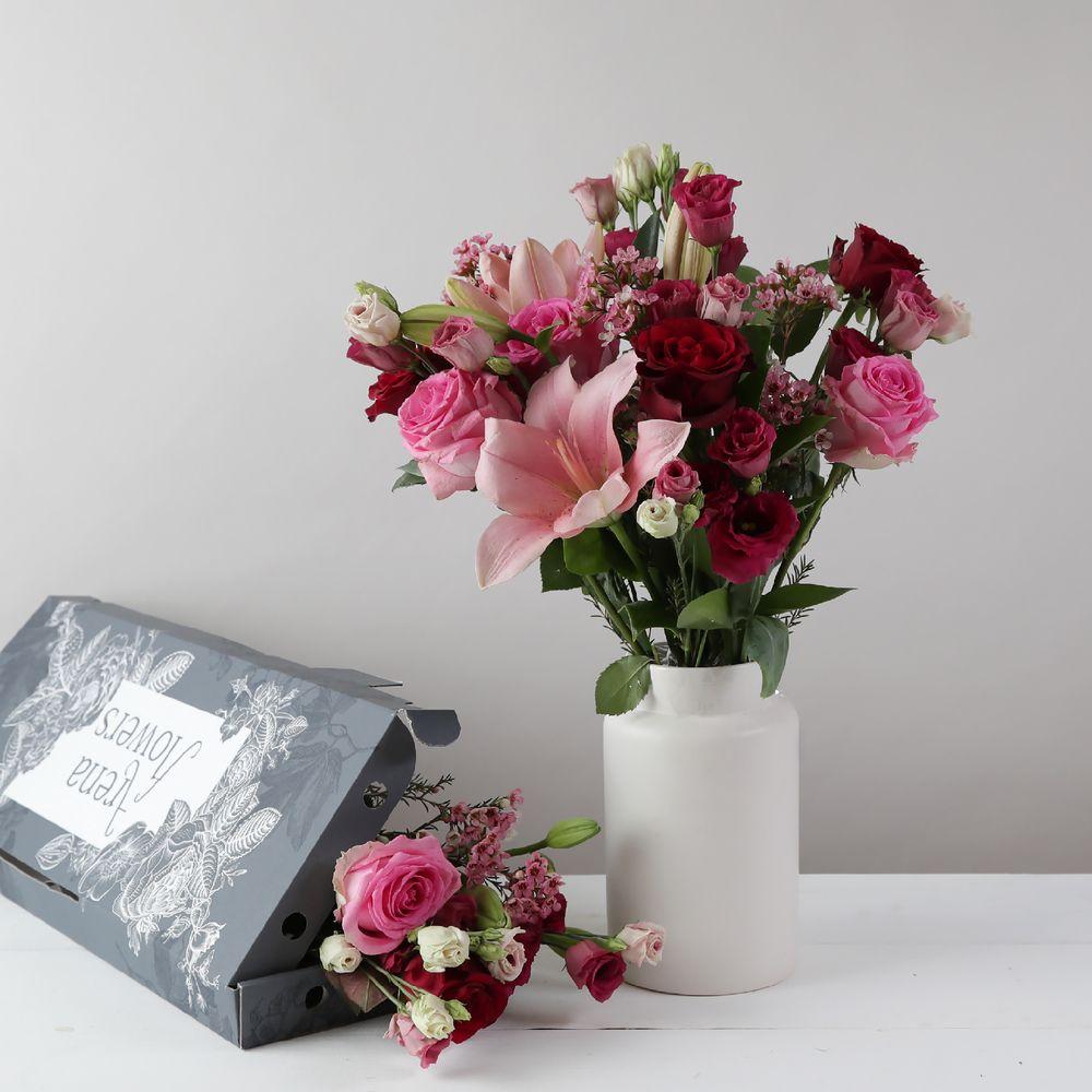 Letterbox Venice - flowers