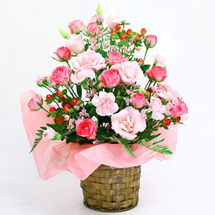 Spray Rose Arrrangement Pink