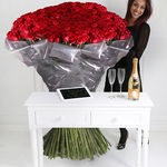 1000 of The World's Largest Roses, Cristal & iPad - flowers