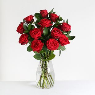 12 Luxury Red Roses Gift Wrapped